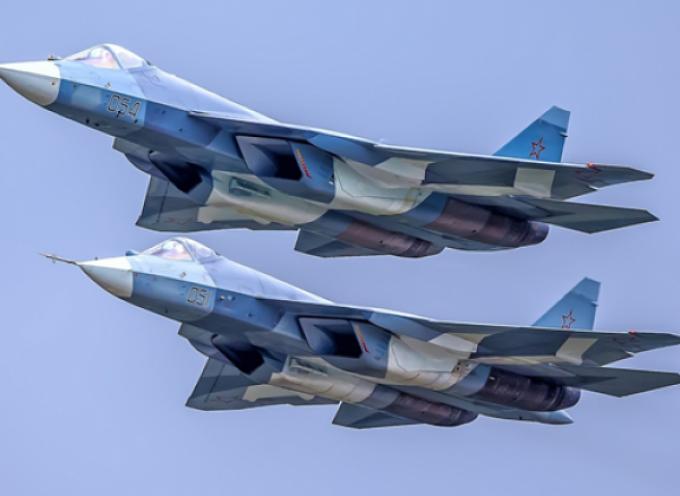 """Oltre la superiorità aerea: le capacità del caccia russo Su-57 come """" cecchino aereo"""" per accecare le difese NATO"""