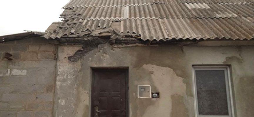 DPR – L'esercito ucraino spara proiettili della NATO contro Yelenovka danneggiando tre case