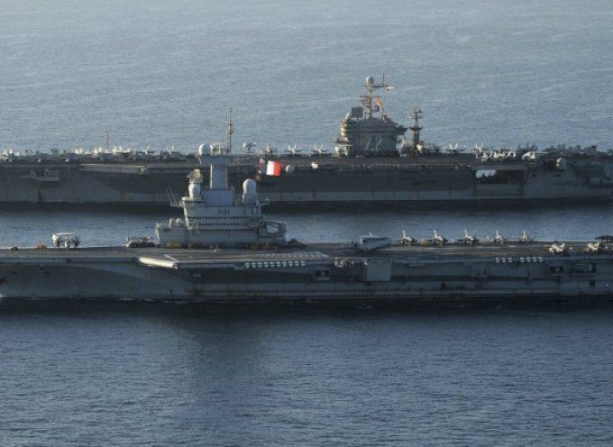 La classe Nimitz americana contro la francese Charles de Gaulle: confronto tra portaerei nucleari occidentali