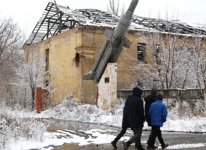 Con le tensioni in aumento nel Donbass, l'Ucraina si tira fuori dai colloqui di pace di Minsk