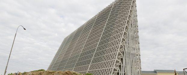 """La Russia inizia la costruzione della stazione radar 'oltre l'orizzonte' """"Voronezh"""" in Crimea"""