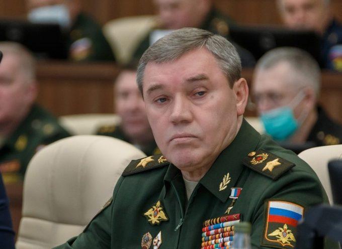 La dottrina nucleare: il capo dell'esercito Gerasimov spiega che Mosca si riserva il diritto di usare le armi nucleari se i nemici le useranno contro la Russia