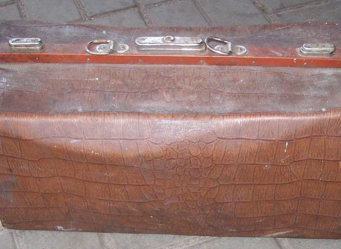 Di valigie, maniglie e inneschi incendiari